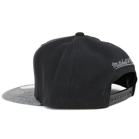 dc10ef06ef1 New York Red Bulls Black Grey Fuzz 2 Tone Snapback - Mitchell   Ness cap -  Hatstore.co.in