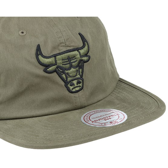 1970f04cd70 Chicago Bulls Outdoor Low Prow Olive Strapback - Mitchell   Ness caps