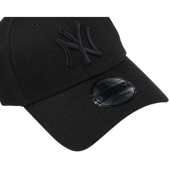 801bccd3734 NY Yankees League Essential Black 940 Adjustable - New Era caps -  Hatstoreaustralia.com
