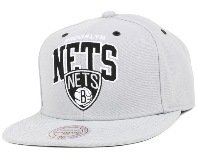 size 40 35338 e6e82 ... Ness ₹ 2,500. Brooklyn Nets Black And White Arch Snapback - Mitchell    Ness