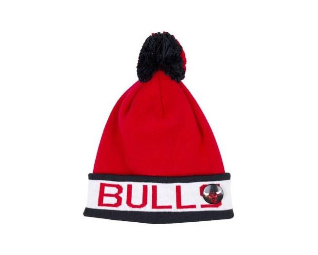 dc4c628705d56 Chicago Bulls Vintage Block - Mitchell   Ness beanies ...