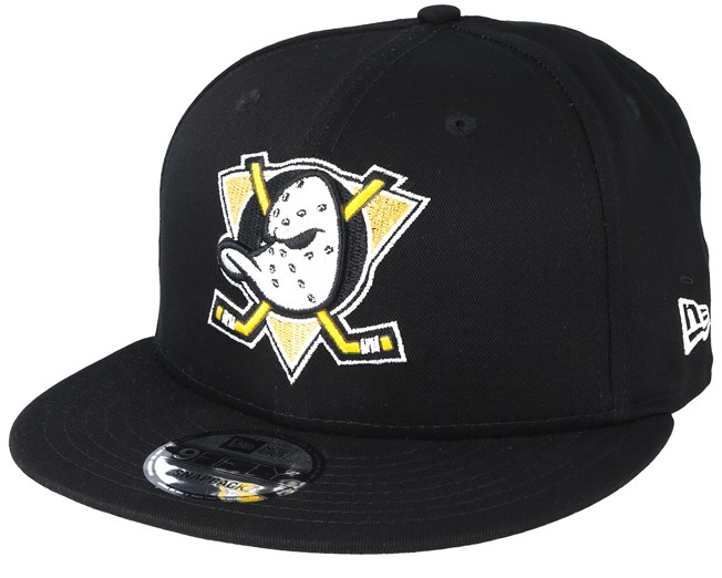 5a70742f331f3 Anaheim Ducks NHL Black Basic 9Fifty Snapback - New Era caps -  Hatstoreworld.com