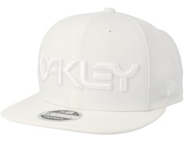 Mark II Novelty White/White Snapback - Oakley