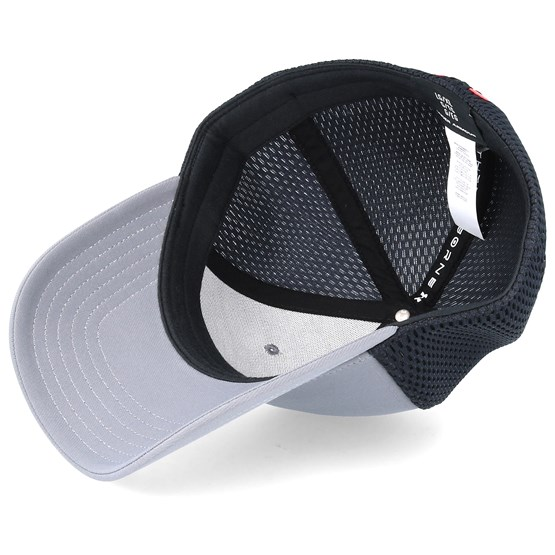 dc24ea1a4b6 Men´s Train Spacer Mesh Graphite Flexfit - Under Armour caps -  Hatstorecanada.com