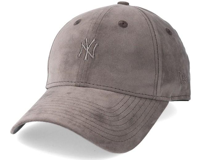 ab638b1bc04b50 New York Yankees Women Felt 940 Brown Adjustable - New Era caps ...