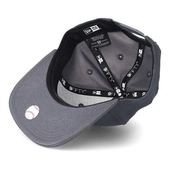 San Francisco Giants Tone Tech Redux 9fifty Grey Fitted - New Era caps -  Hatstoreworld.com 3a4afa9e79a3