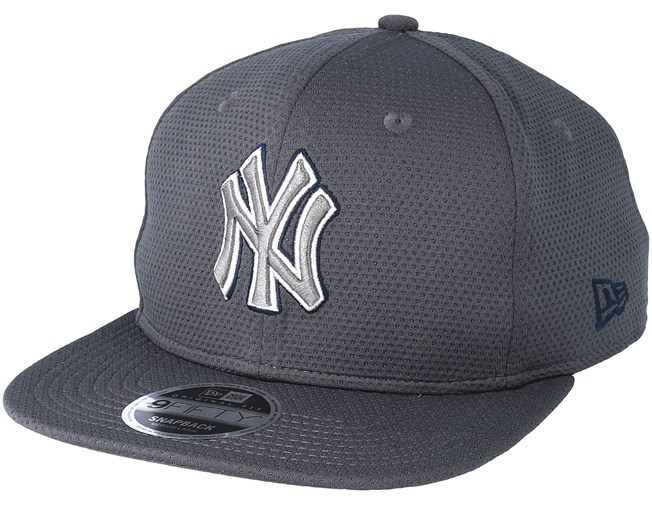 f2a5bd5e53582 New York Yankees Tone Tech Redux 9fifty Grey Fitted - New Era caps ...