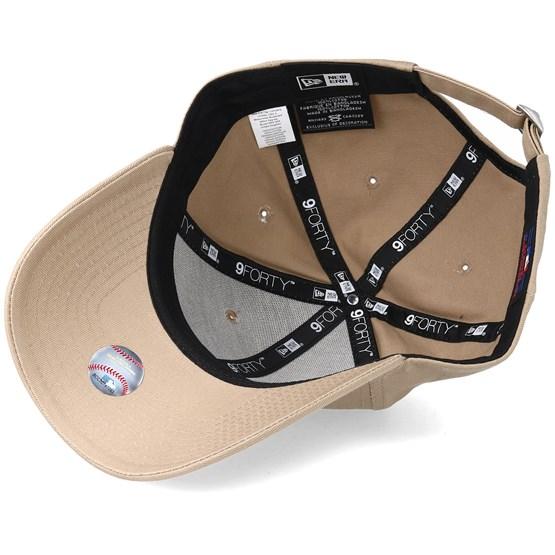 New York Yankees League Essential 9Forty Camel Adjustable - New Era caps -  Hatstoreworld.com 3de127bebb2