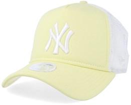 New York Yankees League Essential Women Yellow/White Trucker - New Era