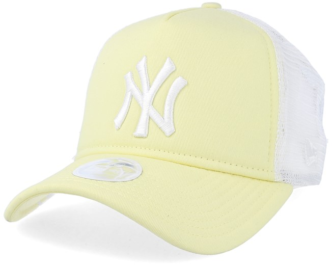 40138404 New York Yankees League Essential Women Yellow/White Trucker - New ...