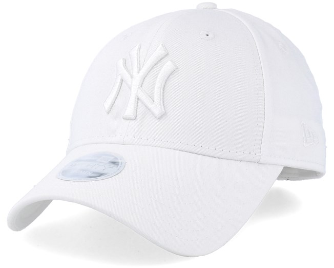 439f2f05aa708 New York Yankees Women League Essential 9Forty White White Adjustable - New  Era caps - Hatstoreworld.com