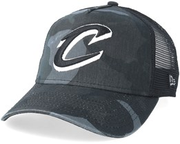 Cleveland Cavaliers Curved Washed Mesh Black Camo Trucker - New Era