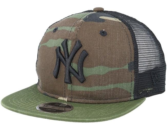 Kids New York Yankees Washed Mesh Black Camo Trucker - New Era - Bambini  Cappellino - Hatstore 2e1fa28dd3a