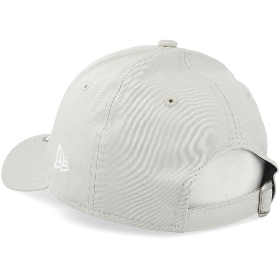 Kids New York Yankees League Essential 9Forty Stone White Adjustable - New  Era caps - Hatstorecanada.com ee7d2a1c48ec