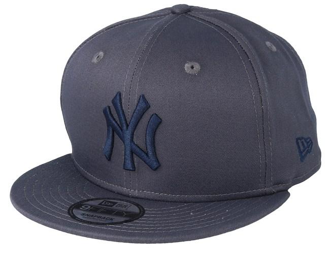 hot sale online 5023d f79e3 New York Yankees MLB 9Fifty Grey Navy Snapback - New Era