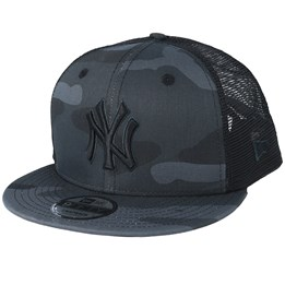 new products 02055 c0e25 New Era New York Yankees League Essential Team 9Fifty Black Camo Black  Trucker - New Era £34.99