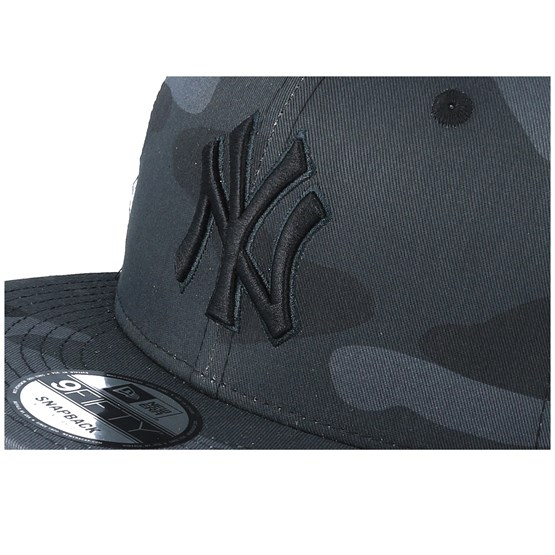 sneakers for cheap eb92b 219b0 New York Yankees League Essential Team 9Fifty Black Camo Black Trucker - New  Era caps - Hatstoreaustralia.com