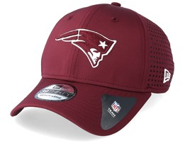 f39c0324a8d New England Patriots Feather Perf 39Thirty Maroon White Flexfit - New Era