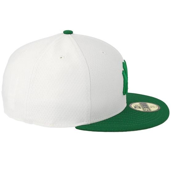 buy popular 18271 e01c6 New York Yankees MLB19 59Fifty Of St. Pats Day White Green Snapback - New  Era caps - Hatstoreworld.com
