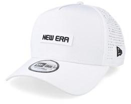 Tech Performance White Trucker - New Era