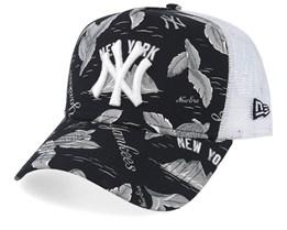 New York Yankees Desert Island Black/White Trucker - New Era