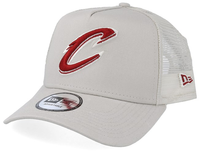 the latest bbe86 25e4f Cleveland Cavaliers Essential Light Beige Red Trucker - New Era caps -  Hatstoreaustralia.com