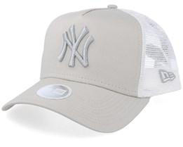 New York Yankees Women's League Essential Beige/White Trucker - New Era