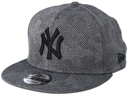 New York Yankees 9Fifty Engineered Plus Dark Grey/Black Snapback - New Era