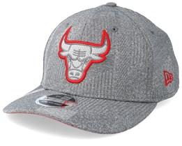 Chicago Bulls Training Series 9Fifty Stretch-Snap Dark Grey/Red Snapback - New Era
