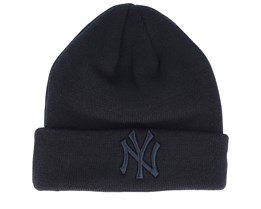 New York Yankees Essential Knit Black/Black Cuff - New Era