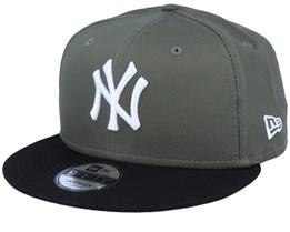New York Yankees Color Block 9Fifty November Green/Black Snapback - New Era