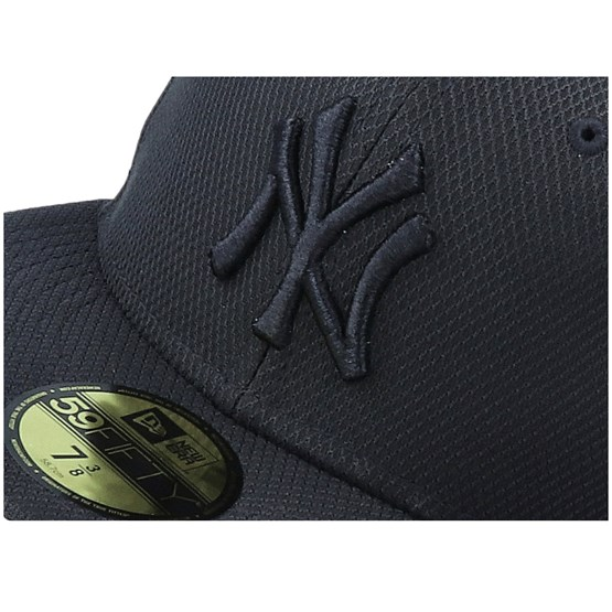 NEW YORK YANKEES BLACK//BLACK NEW ERA DIAMOND ERA ESSENTIAL 59FIFTY FITTED CAP