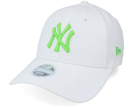 New York Yankees Womens League Essential 9FORTY White/Green Adjustable - New Era