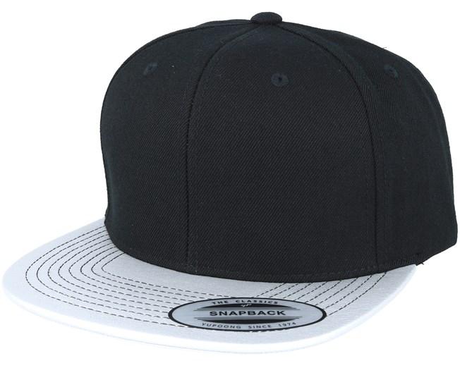9ca7248a Metallic Visor Black/Silver Snapback - Yupoong caps - Hatstoreworld.com