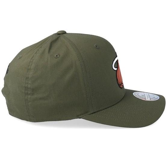 53119cd5dd5 Miami Heat Battle Green 110 Adjustable - Mitchell   Ness caps -  Hatstorecanada.com