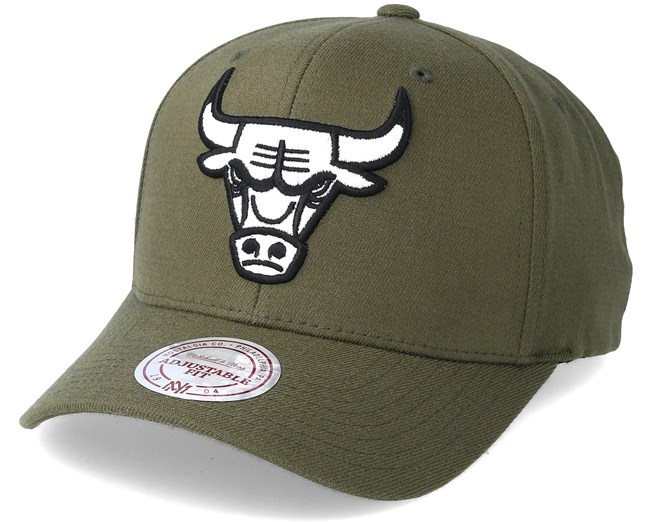 c3f51a525da Chicago Bulls B W Logo 110 Curved Olive Adjustable - Mitchell   Ness caps -  Hatstoreworld.com