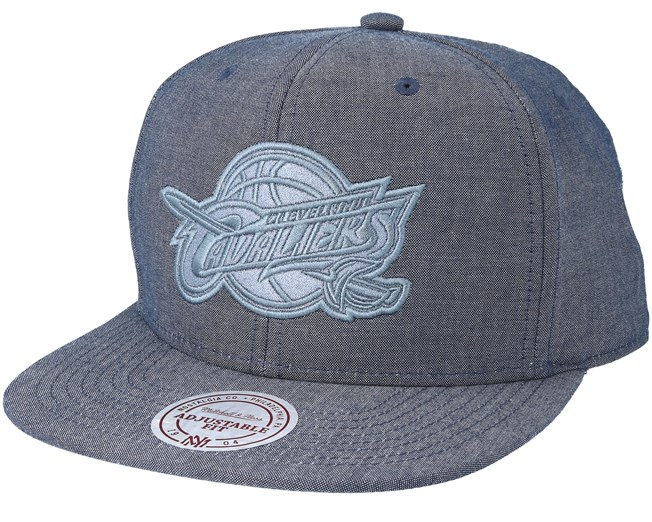new products 9aa5f bf27d Cleveland Cavaliers Italian Washed Navy Snapback - Mitchell   Ness cap -  Hatstore.co.in