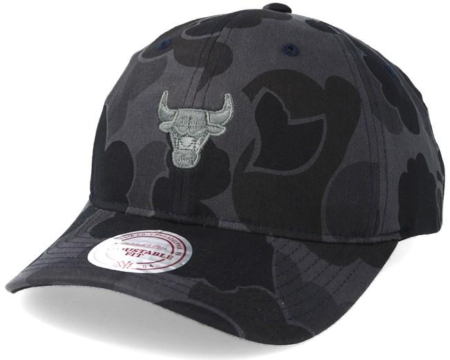 1e726e68083 Chicago Bulls Slouch Grey Camo Strapback Adjustable - Mitchell   Ness