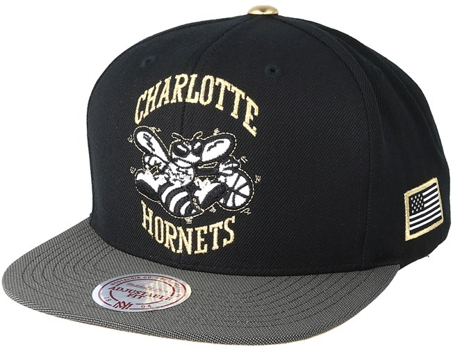 low priced 182b4 cd6a8 Charlotte Hornets Gold Tip Black Snapback - Mitchell   Ness caps -  Hatstoreaustralia.com