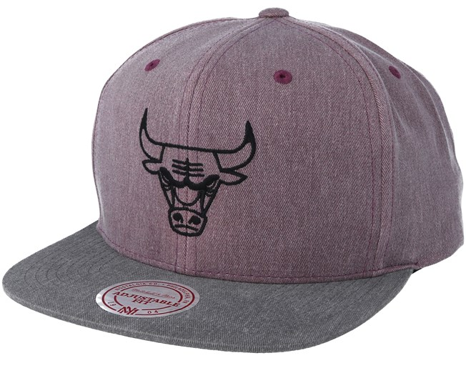 1013e3a79d998 Chicago Bulls Washed Twill 2 Tone Purle Snapback - Mitchell & Ness -  casquette   Hatstore.fr
