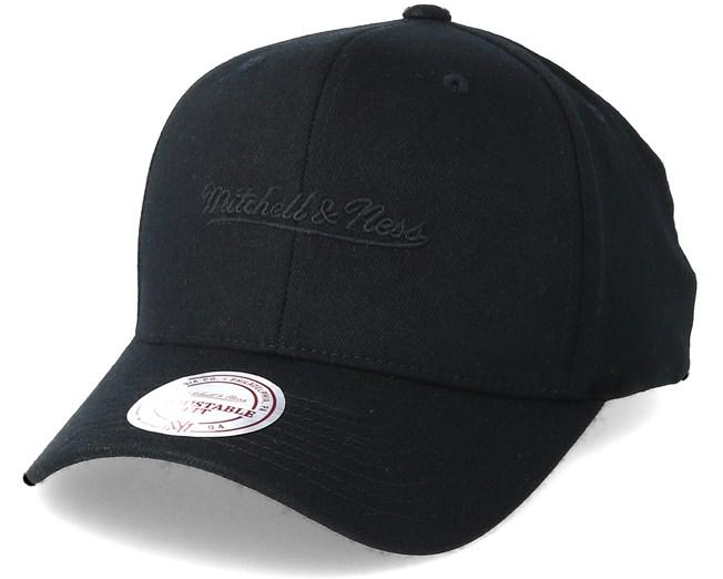 51d010622670bf Flexfit 110 Black Adjustable - Mitchell & Ness caps   Hatstore.co.uk