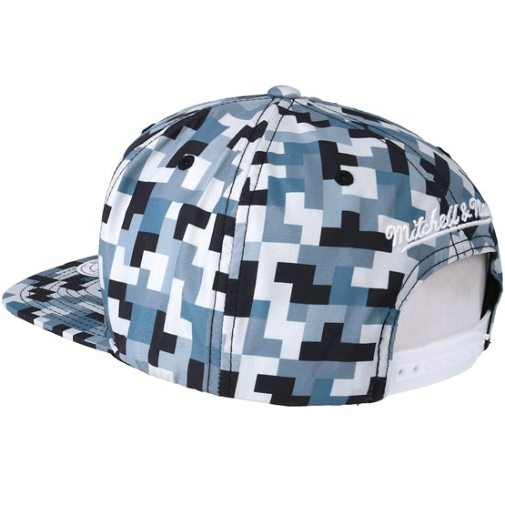 new product b0571 943c7 Chicago Bulls Sublimated Micro Peach Camo Snapback - Mitchell   Ness caps    Hatstore.ie