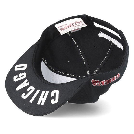 c2d6aded Chicago Bulls Under Visor Black Snapback - Mitchell & Ness caps -  Hatstoreworld.com