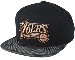 Philadelphia 76ers Team DNA Black/Charcoal Snapback - Mitchell & Ness