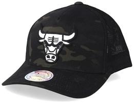 Chicago Bulls Multicam Camo/Black 110 Trucker - Mitchell & Ness