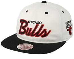 Chicago Bulls Script Throwback Black/White Snapback - Mitchell & Ness