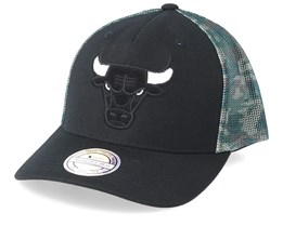Chicago Bulls Squad Black/Camo 110 Trucker - Mitchell & Ness