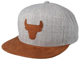 Chicago Bulls Suede Patch Heather Grey/Brown Snapback - Mitchell & Ness