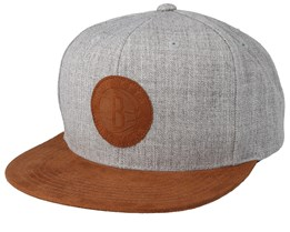 Brooklyn Nets Suede Patch Heather Grey/Brown Snapback - Mitchell & Ness