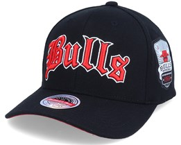 Hatstore Exclusive x Chicago Bulls Old English Black Adjustable - Mitchell & Ness
